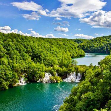 Transfer Zagreb to Zadar via Plitvice Lakes | Croatia Private Driver Guide
