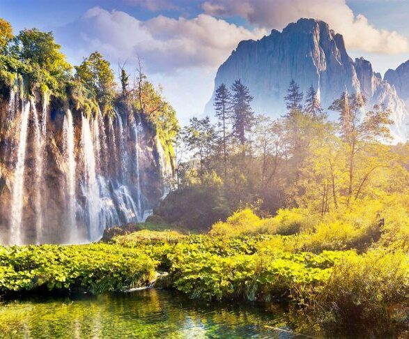 Split to Zagreb Transfer via Plitvice Lakes Tour | Croatia Driver Guide