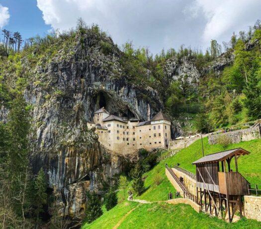croatia driver guide - predjama castle